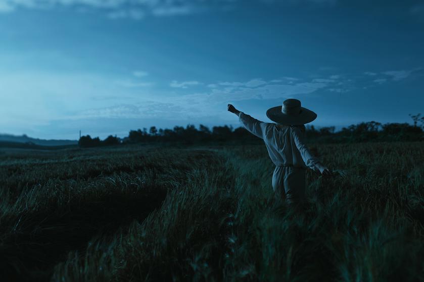 Minuscule blijmaker: de avondklok blijft, maar we mogen straks wel íets langer buiten blijven