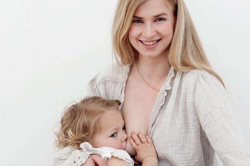 Marilyn (26) geeft al meer dan 5 jaar borstvoeding: 'Ik heb geen leeftijdsgrens'