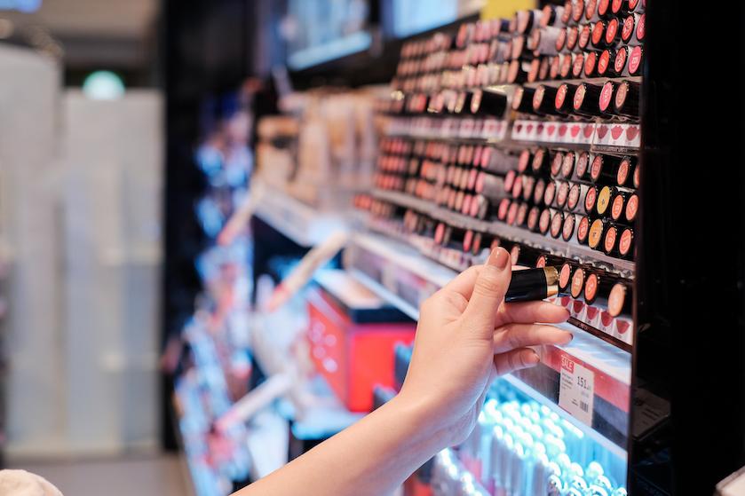 Waarom het belangrijk is om regelmatig de houdbaarheid van je make-up te checken