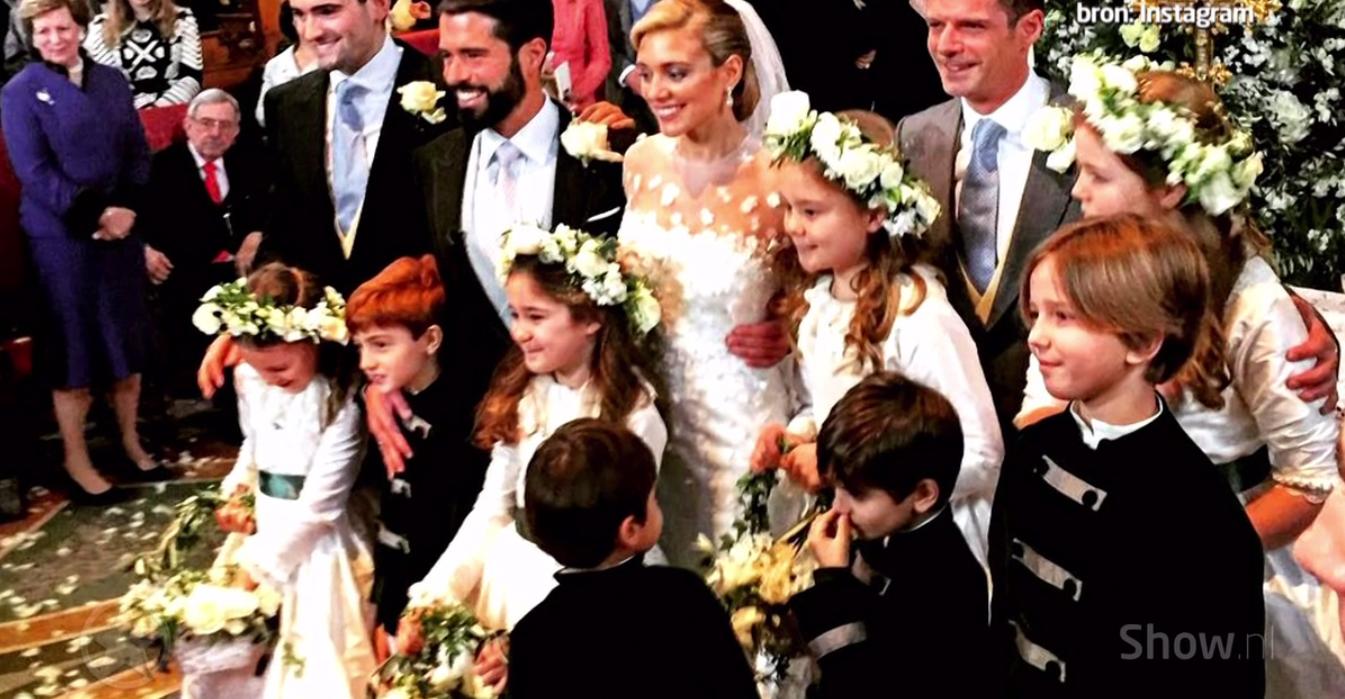 ZIEN: Prinsesjes Alexia en Ariane als bruidmeisjes!