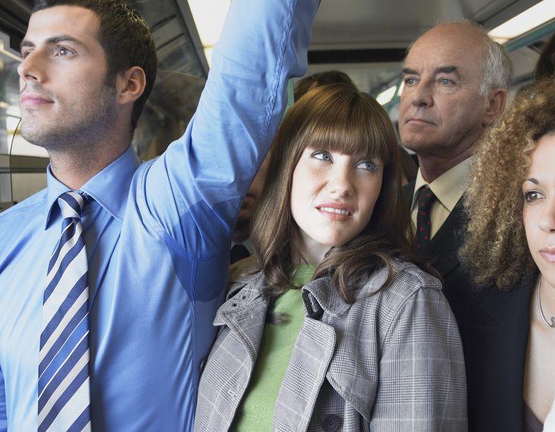 13 ongemakkelijke momenten die iedere treinreiziger herkent