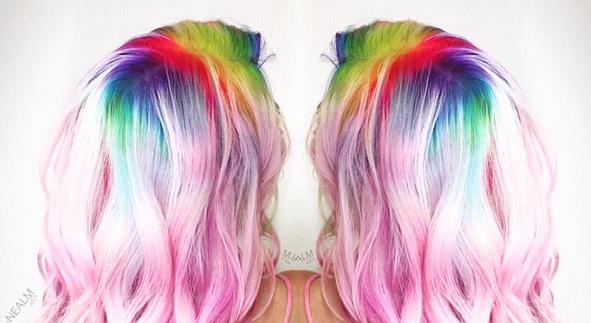 Regenboog-uitgroei: nieuwste haartrend op Instagram