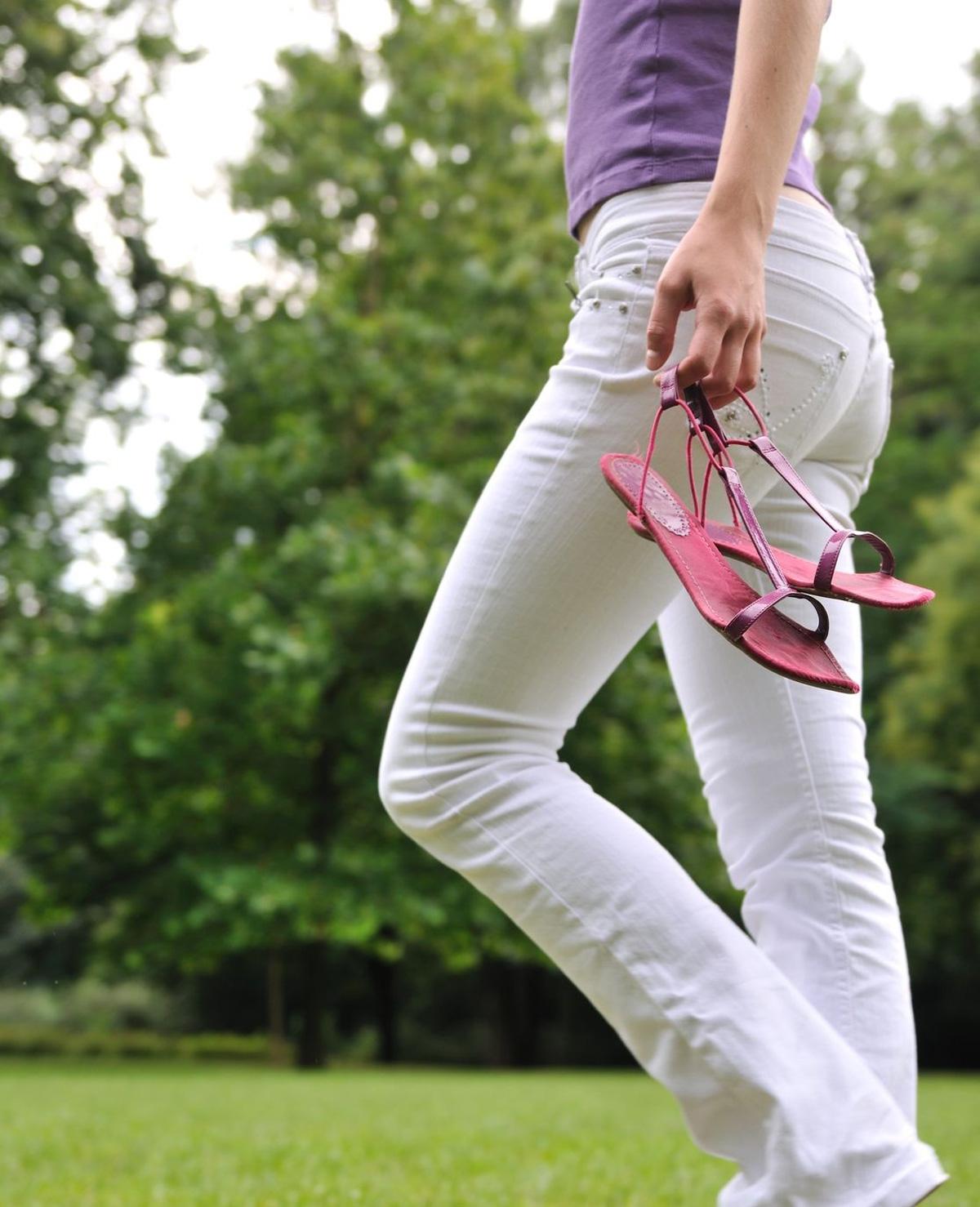 Zo schijnt je witte broek niet door