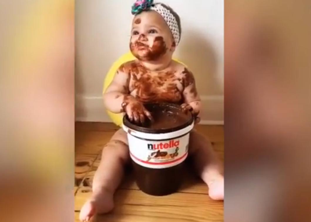 Als een baby Nutella eet…