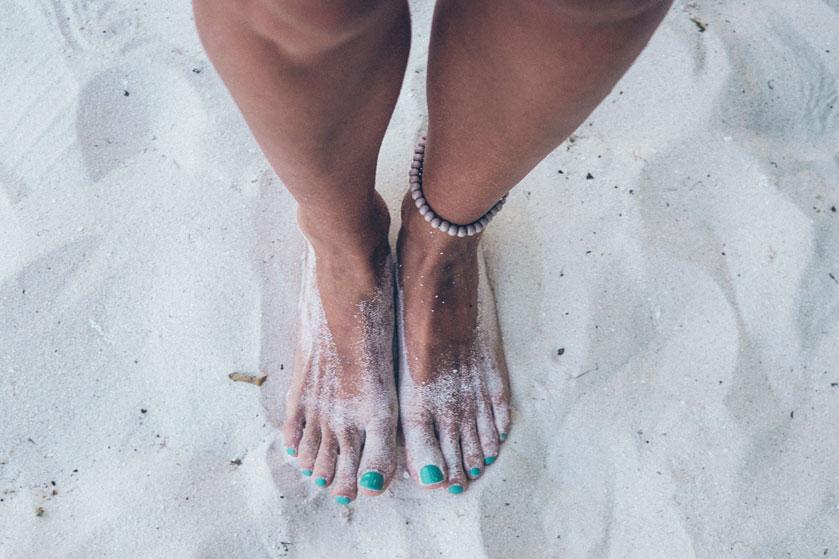Opgepast: je kunt een kalknagel oplopen door gellak op je tenen