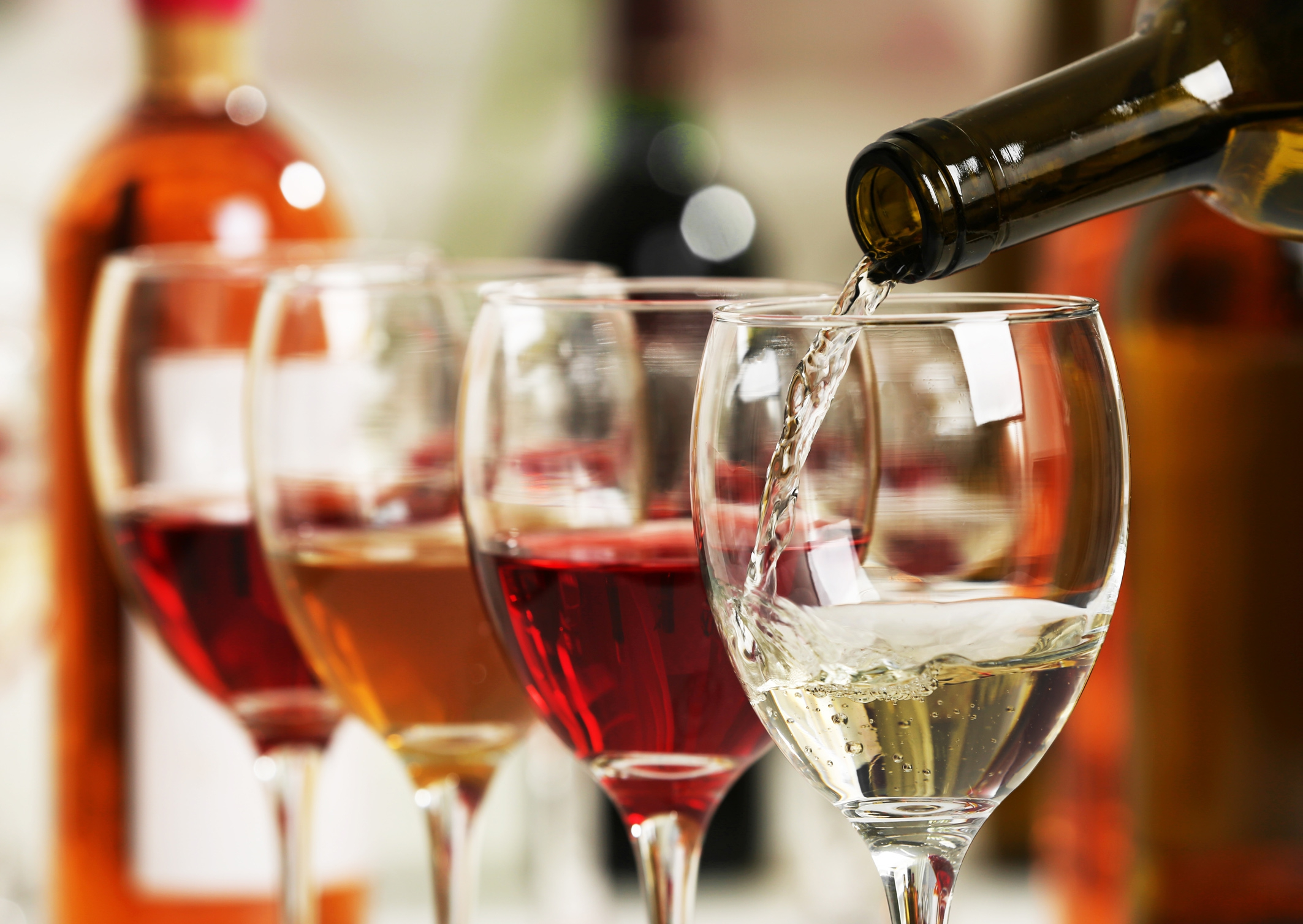 YAY! Amsterdam krijgt de grootste wijnbar van Nederland