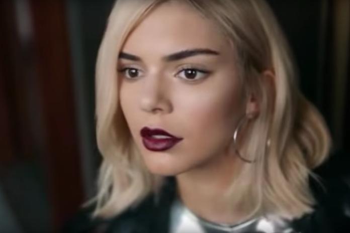 Pepsi-reclame met Kendall Jenner onder vuur