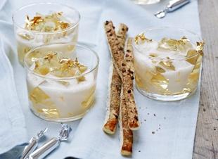 Champagne jelly-pudding met schuim van passievrucht