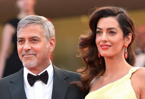 Het regent tweelingen in 2017: Nu ook Amal Clooney zwanger