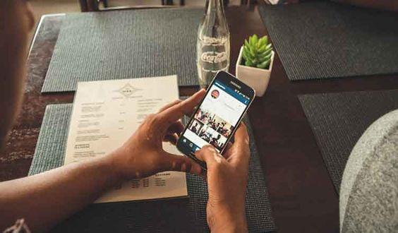 Bewezen: Facebook-stalken maakt écht ongelukkig