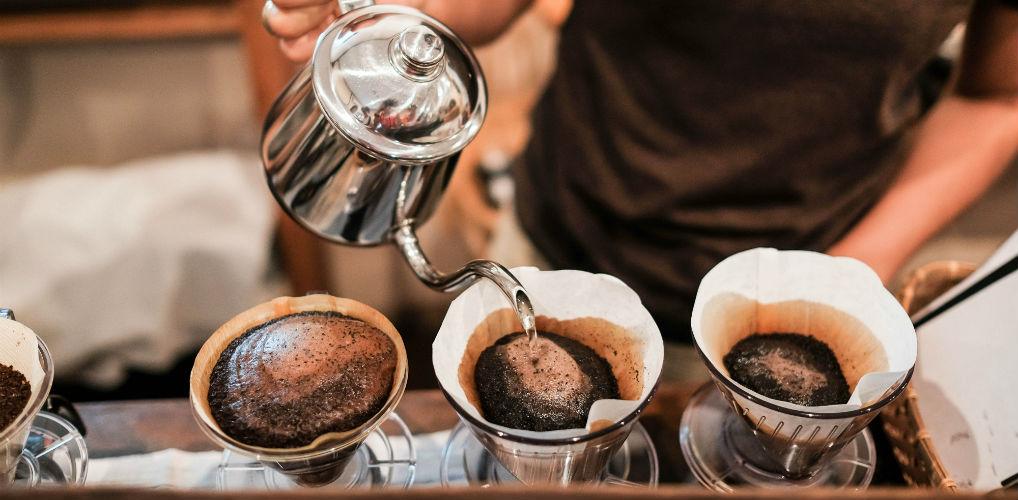 Doei latte macchiato: filterkoffie maakt z'n comeback (en wel om deze reden)