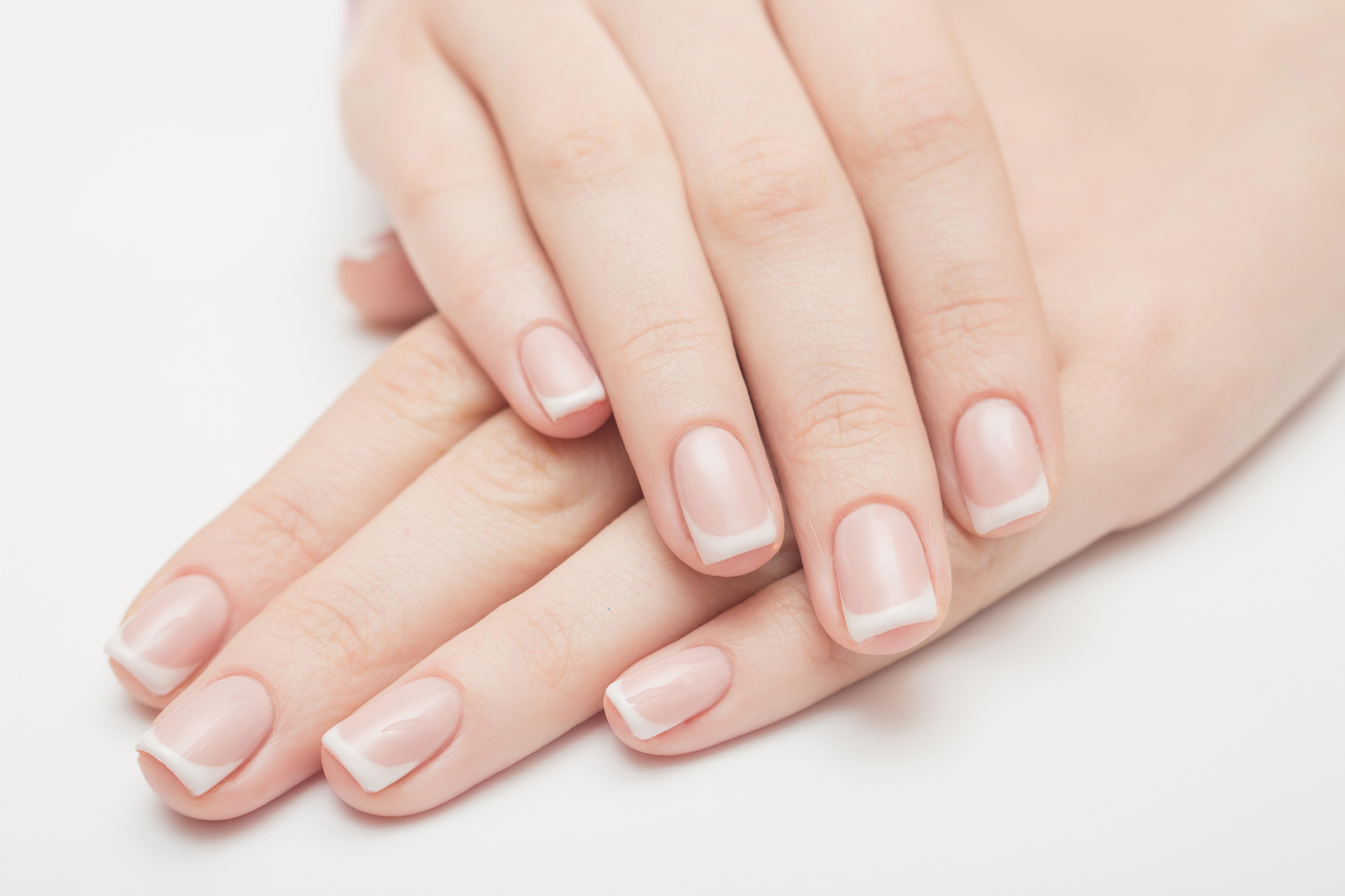 Aha! Dus daarom heb je soms witte vlekjes op je nagels!