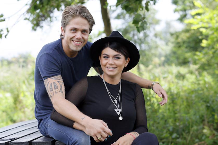 Roxeanne Hazes deelt bijzonder kiekje van hereniging met André: 'Kippenvel bij deze foto'