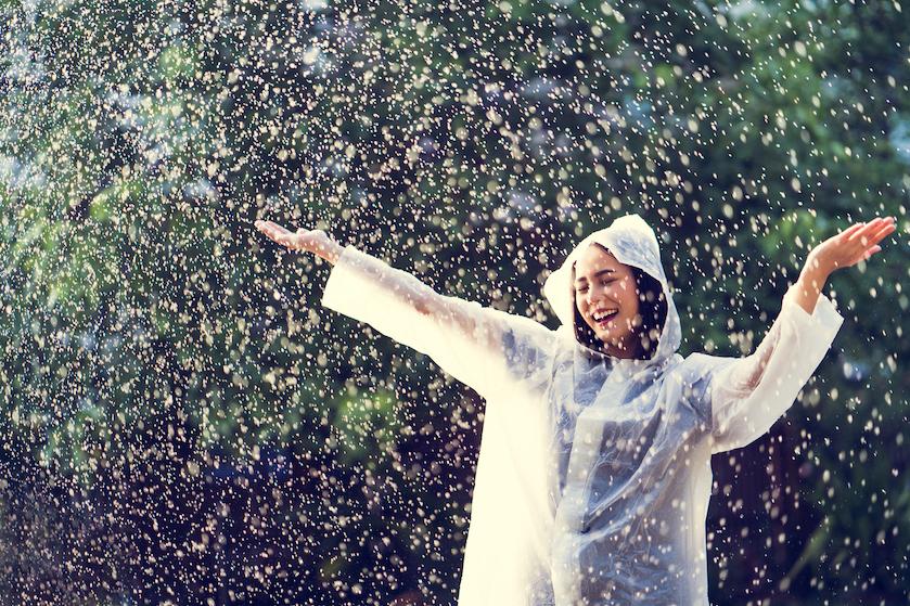 Paraplu en regenjas uit de kast: volgende week komt het met bakken uit de lucht