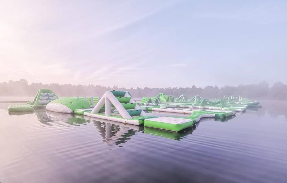 Yes! Center Parcs opent het grootste waterparcours met 100+ hindernissen
