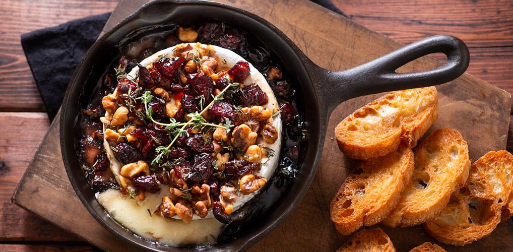 Cheesy borrelhap: 3 heerlijke recepten met gesmolten brie