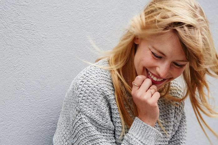 Onderzoek bewijst: dit maakt single vrouwen pas echt gelukkig
