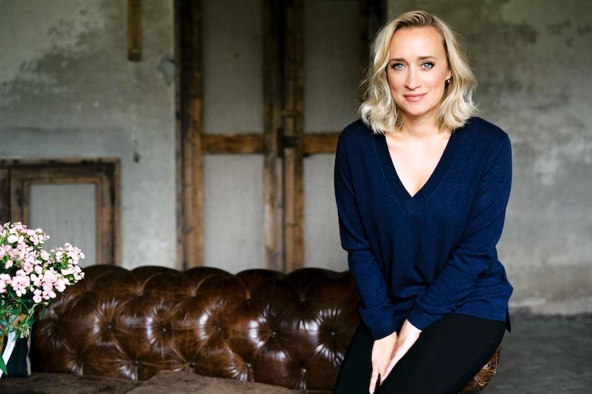 Eva Jinek in tranen in eigen talkshow: 'Mooi mens'