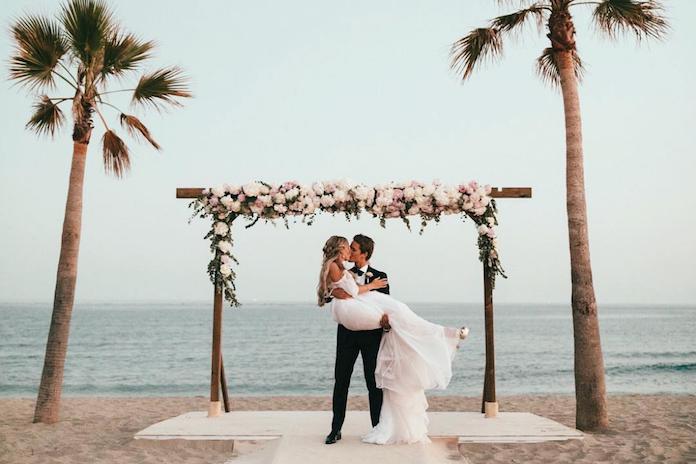 De ene na de andere influencer trouwt en dít zijn de mooiste foto's