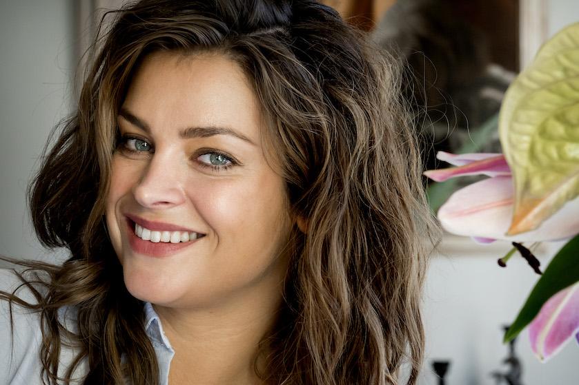 Miljuschka: 'Ik ben trots op mijn vetjes, putjes en lovehandles'