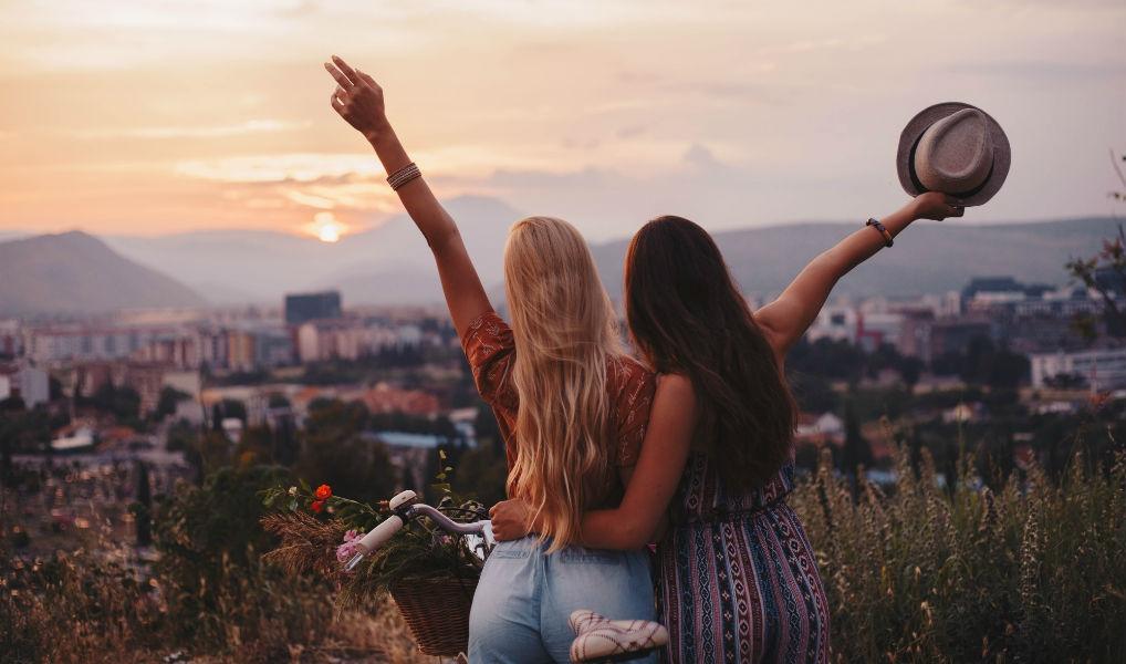 Droombaan: verdien nu €11.000 om met je beste vriend(in) op reis te gaan