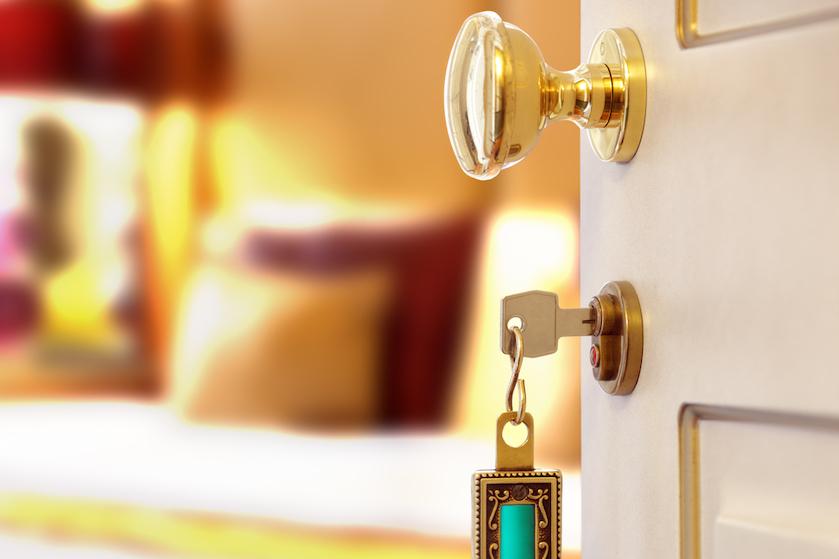 Als eerste checken: dít ding in de hotelkamer onthult of het er schoon is of niet