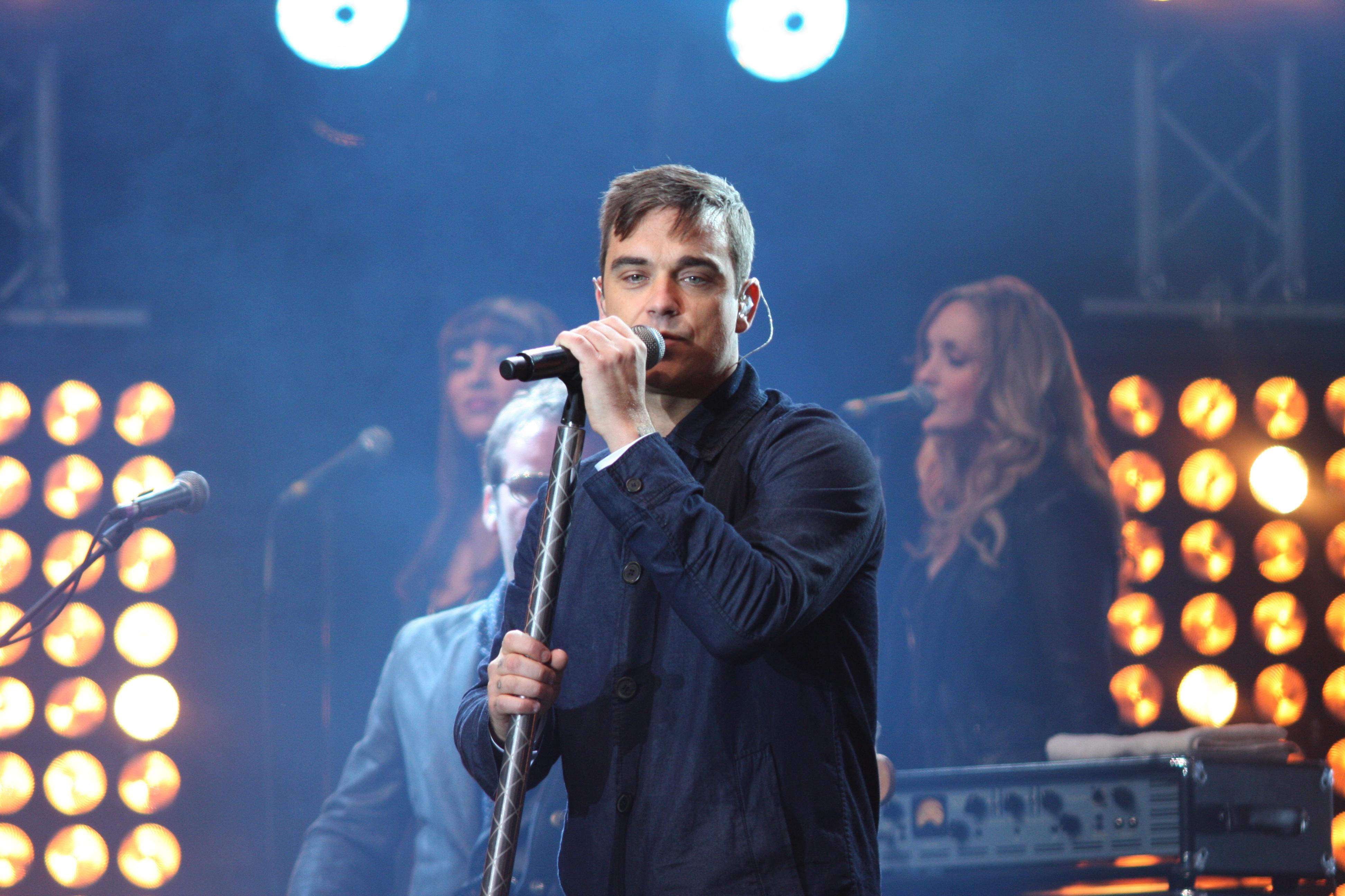 Heel goed nieuws voor alle Robbie Williams-fans!
