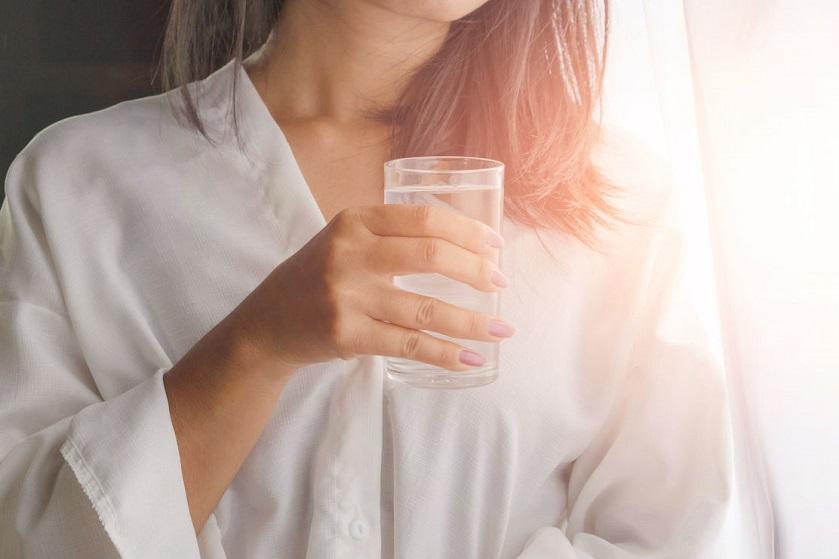 Doen: waarom je iedere dag zou moeten beginnen met een glas water