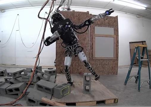 Deze slimme robot doet huishoudklusjes