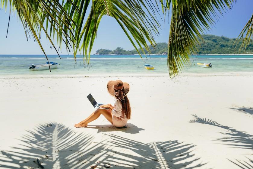 Klaar met werken aan de keukentafel? Ga op 'workation' naar tropische bestemming Aruba
