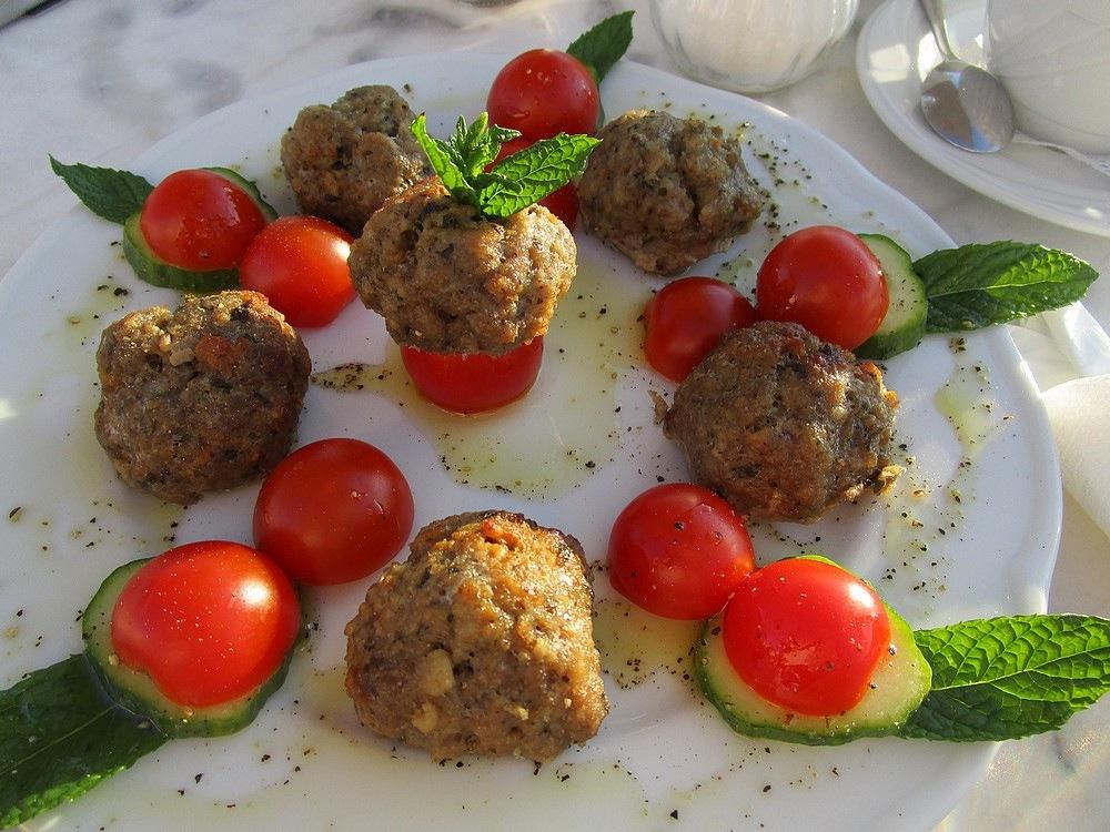 griekse-gehaktballetjes-foto-denise-miltenburg