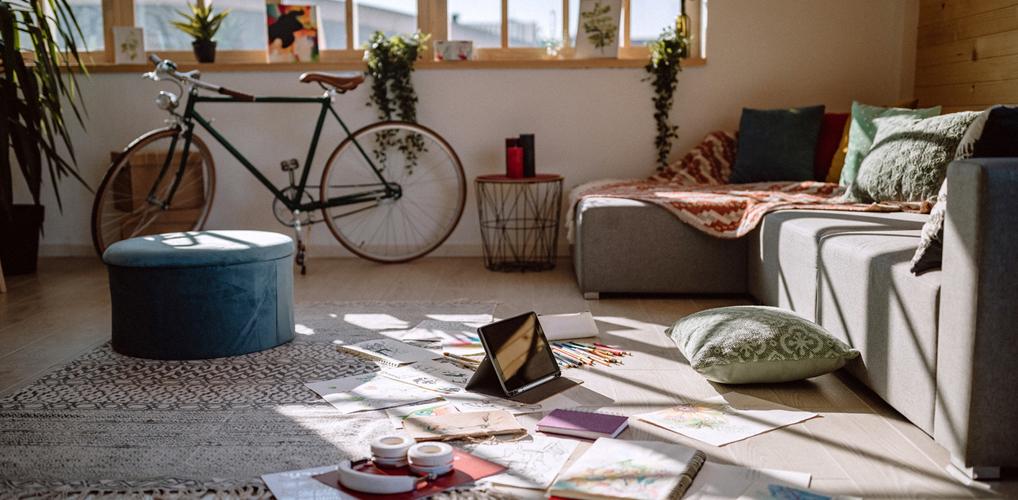 Hoe het opruimen van je huis helpt bij depressieve gevoelens, en zo begin je