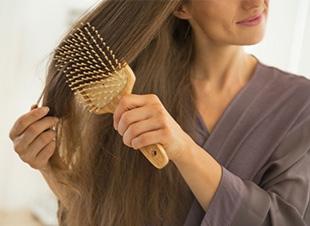 Video: Zó maak je korte metten met statisch haar