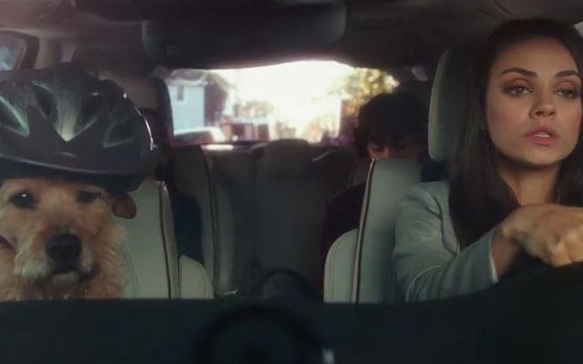 ZIEN: Mila Kunis schittert in nieuwe trailer van 'Bad Moms'