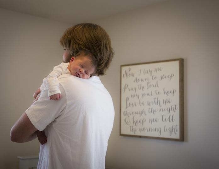 Eindelijk: groot Nederlands bedrijf voert maand vaderschapsverlof in