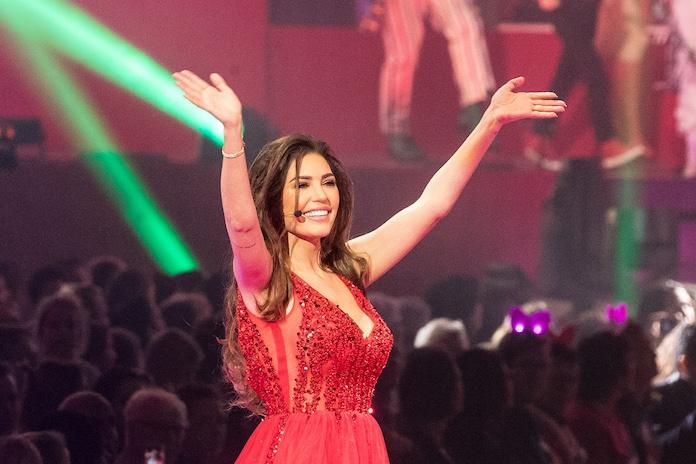 Yolanthe opent nu ook boutique op Ibiza en showt zelf de (enorm sexy) kleding