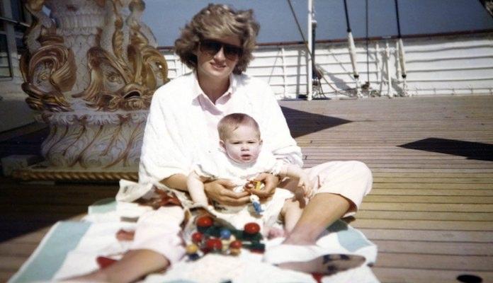 Veelbesproken video's over Diana tóch uitgezonden op Britse tv