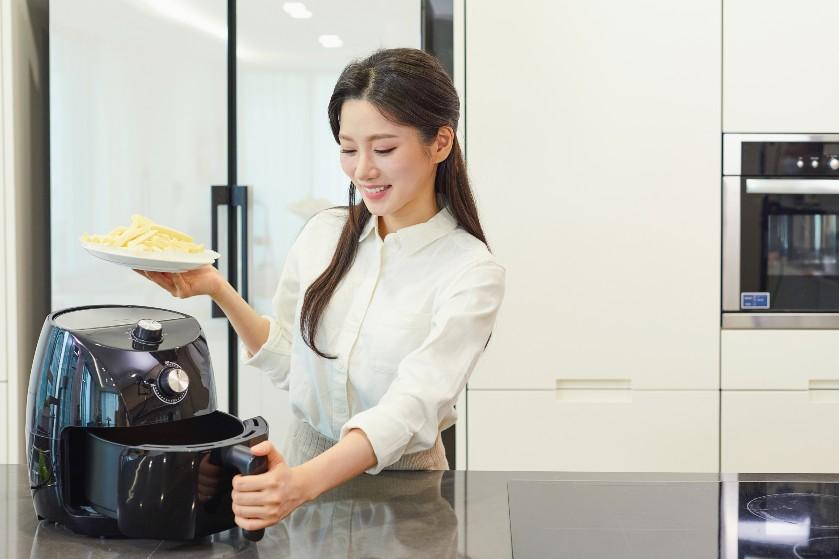 Zo gepiept! Vijf manieren om je airfryer gemakkelijk en snel schoon te maken