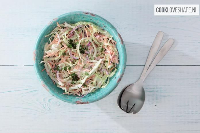 Recept: deze wittekoolsalade is heerlijk verfrissend als bijgerecht