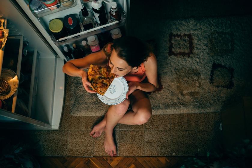 Eeuwig zin in (ongezonde) snacks? Met deze diëtisten-tip weersta je de verleiding