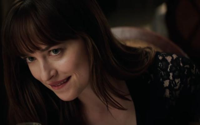 O LA LA: Deze nieuwe scène uit Fifty Shades Darker doet ons spontaan blozen