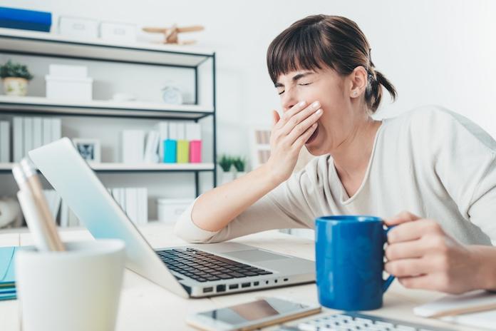 Waarom je vaak moe bent terwijl je genoeg slaapt