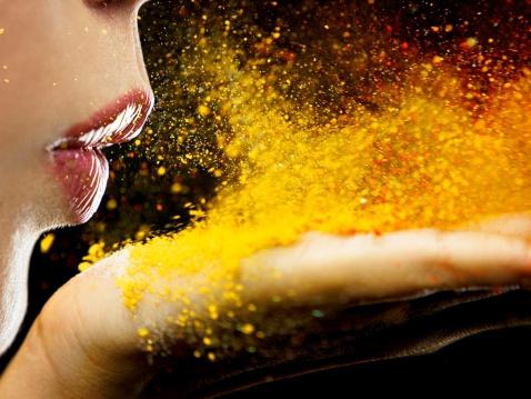Waarom onze obsessie met glitter schadelijk is voor het milieu