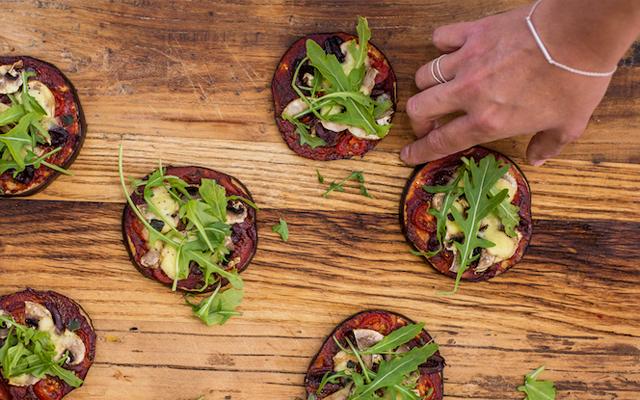 Recept: minipizza van aubergine