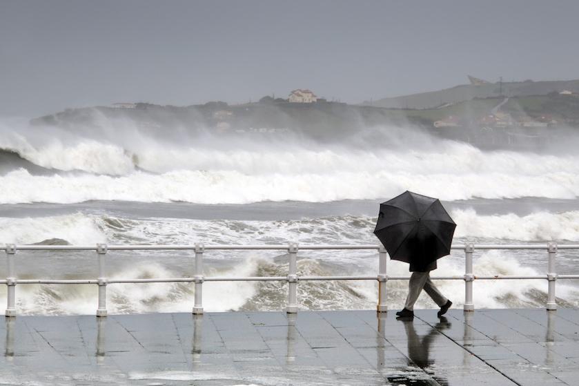 Stormachtig weer in aantocht: woensdag zeer zware windstoten verwacht in het westen