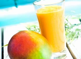 Gele mango ananas smoothie