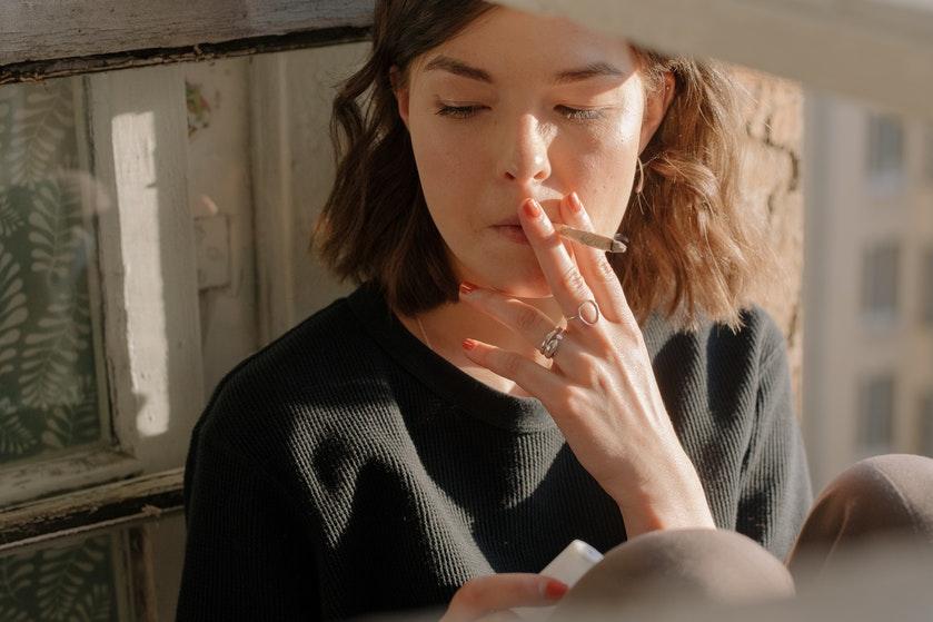 Opgebiecht: 'Ik blow te veel omdat ik me rot voel'