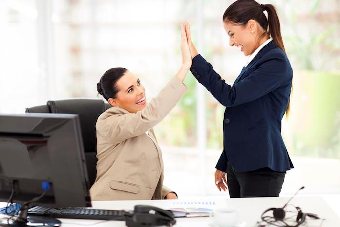 Bewezen: een vriendin op de werkvloer maakt succesvoller