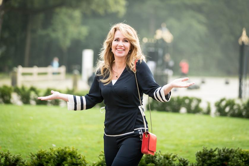 Happy new hair! Helga van Leur overspoeld met complimenten voor compleet nieuwe look