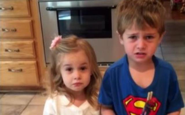 HILARISCH: ouders maken hun kinderen wijs dat ze alle halloweensnoep hebben opgegeten